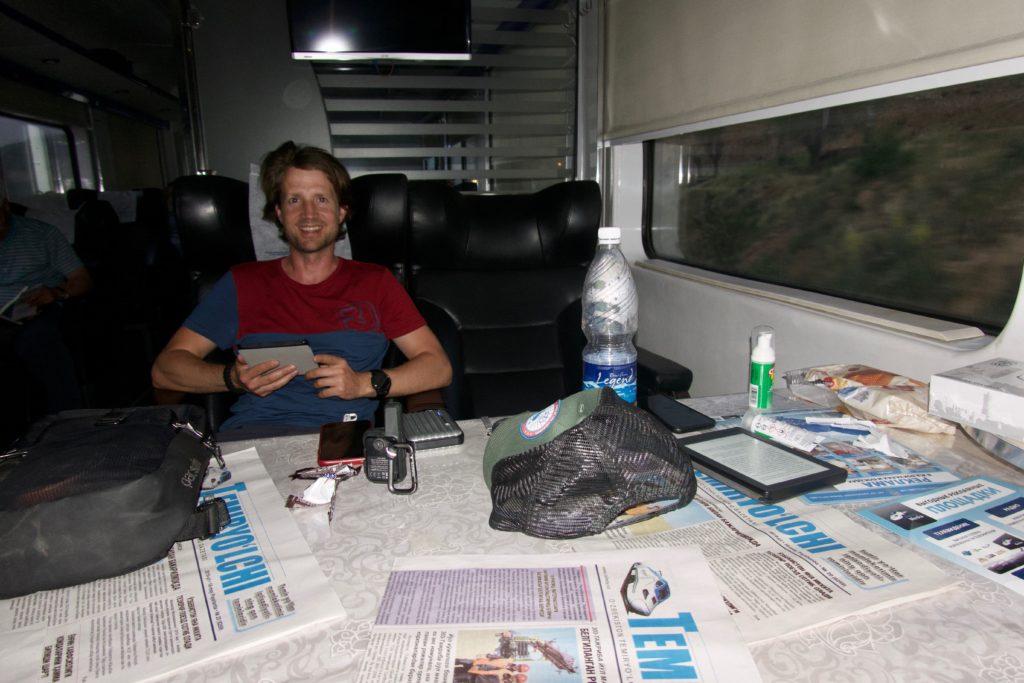 Patrick schlägt sich mit dem eReader die 4h rum