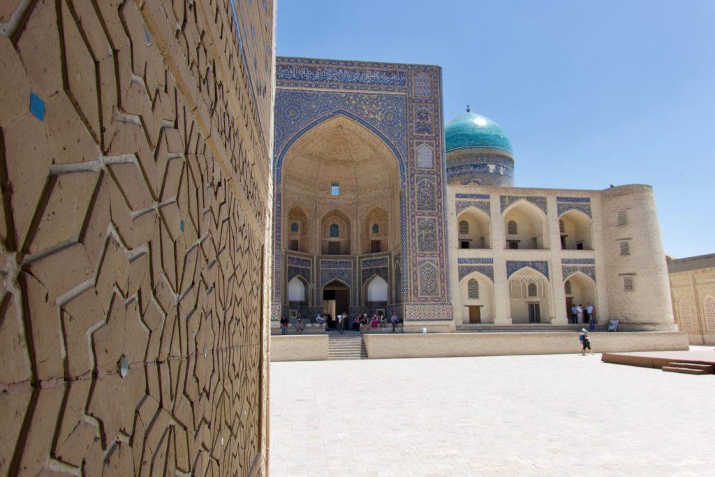 Mir-Arab-Madrasa aus der Poi Kalon Moschee