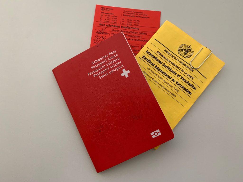 Schweizer Pass / Internationaler Impfausweis / Impftermine