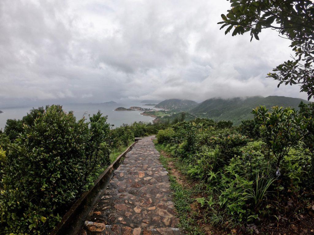 Dragon's Back Hike (nach Big Wave Bay)