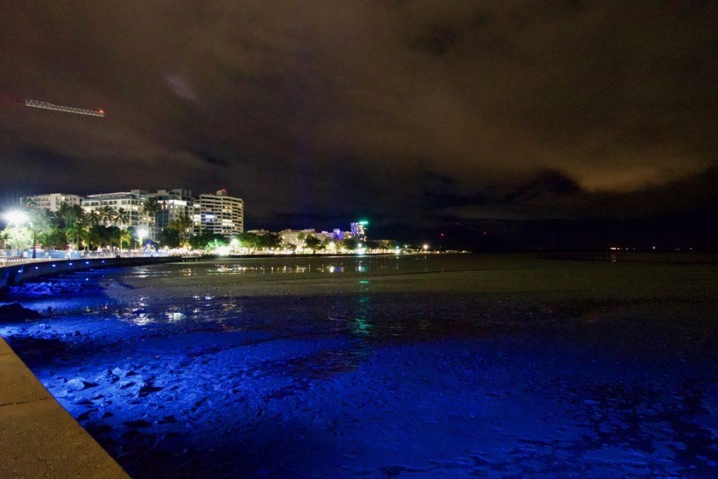 Hafen von Cairns (beware of Crocodiles…)