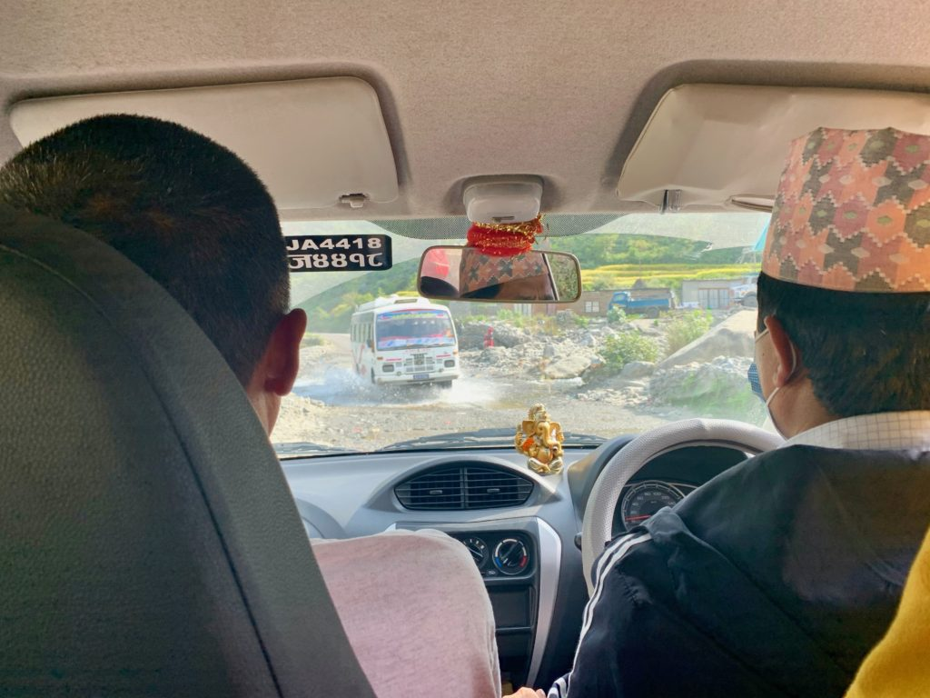 """""""Strasse"""" zwischen Kathmandu und Ramechhap"""