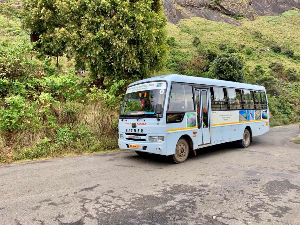 Bus im Eravikulam Nationalpark