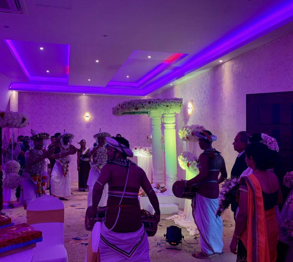 Hochzeitsgesellschaft in Udawalawa